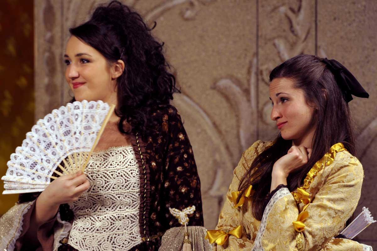 donna Aurelia e donna Elvira si prendono gioco di donna violante