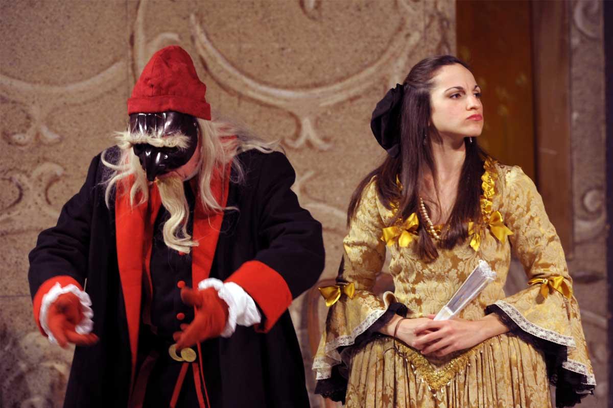 donna Elvira ha estrema fretta e voglia di maritarsi e chiede al